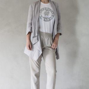 composizione modella con t-shirt ni ma bi bianca, disegno oliviero argento
